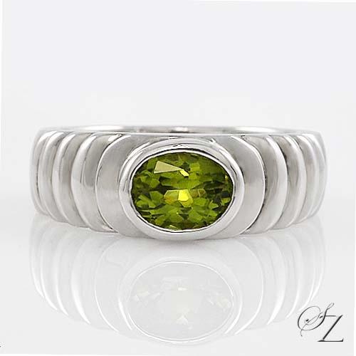 peridot-ring-lsmr030