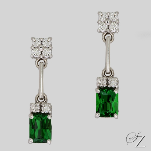 tsavorite-and-diamond-hanging-earrings-lsse211