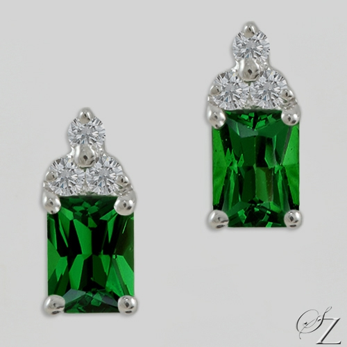 emerald-cut-tsavorite-and-diamond-earrings-lsse212