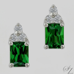emerald-cut-tsavorite-and-diamond-earrings-lsse212