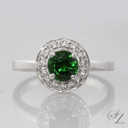 tsavorite-and-diamond-halo-ring-lssr360