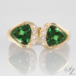 trillion-tsavorite-and-diamond-ring-lssr472