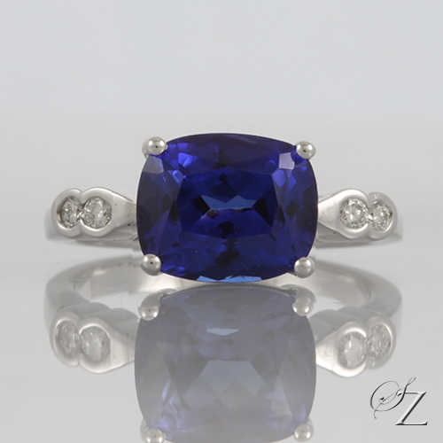 cushion-tanzanite-and-diamond-ring-lstr017