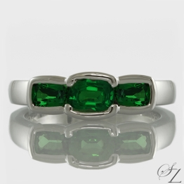 contemporary-three-stone-tsavorite-ring-lstr116