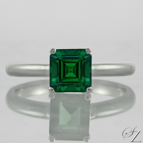 emerald-cut-tsavorite-solitaire-ring-lstr133