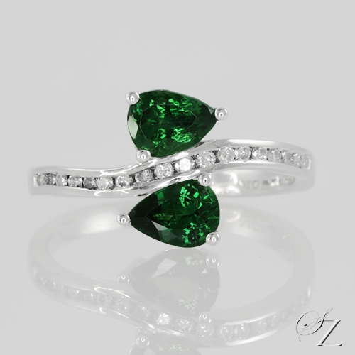 tsavorite-and-diamond-ring-lstr145