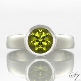 peridot-ring-lstr160