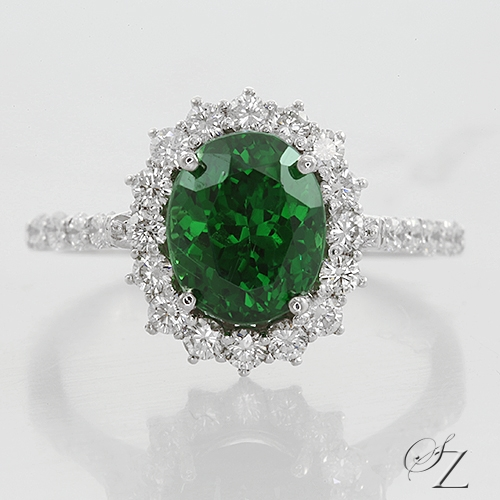 oval-tsavorite-and-diamond-halo-ring-lstr168
