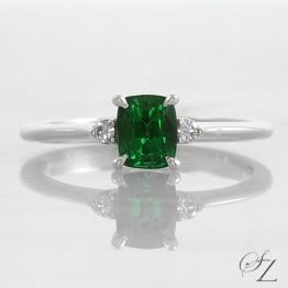 cushion-tsavorite-and-diamond-ring-lstr174