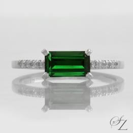 emerald-cut-tsavorite-and-diamond-ring-lstr176