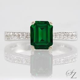 vintage-inspired-tsavorite-and-diamond-ring-lstr179