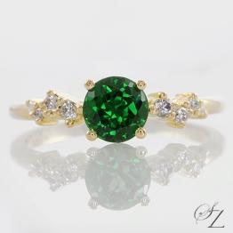 tsavorite-and-diamond-ring-lstr180